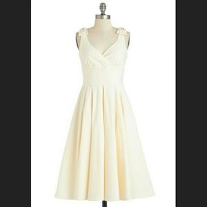 WANTED TO BUY/ISO: MODCLOTH AND BOW IT GOES